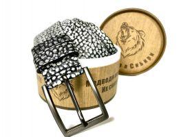 Ремень кожаный с тиснением в подарочной упаковке 1361